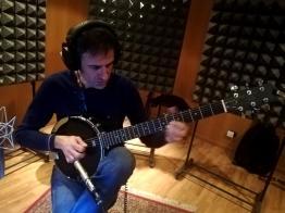 Gege al guitar-banjo